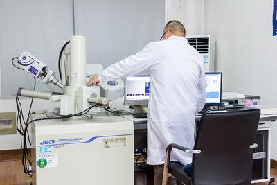 扫描电子显微镜、电子背散射衍射仪